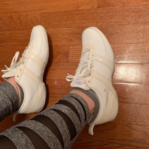 Nike Shoes - NWOT Nike Air